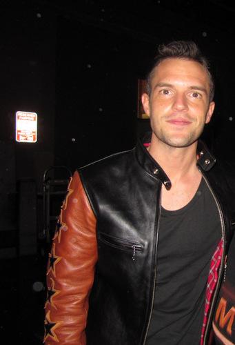 Brandon wearing leather 夹克