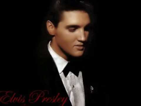 Elvis Presley hình nền possibly with a business suit, a suit, and a dress suit titled Elvis <3