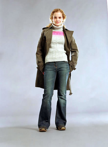 Emma Watson - Harry Potter and the Globet of feu promoshoot (2005)