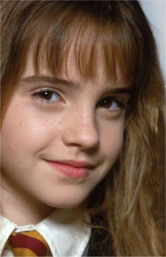 Anichu90 karatasi la kupamba ukuta containing a portrait titled Emma Watson - Harry Potter and the Philosopher's Stone promoshoot (2001)