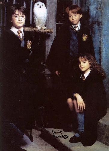 Emma Watson - Harry Potter and the Philosopher's Stone promoshoot (2001)
