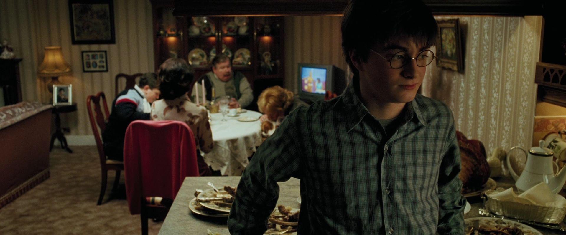 http://images4.fanpop.com/image/photos/17100000/Harry-Potter-And-The-Prisoner-Of-Azkaban-Blu-Ray-harry-potter-17165878-1920-800.jpg