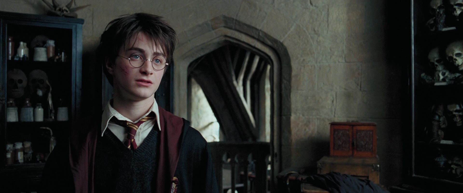 a literary analysis of harry potter and the prisoner of azkaban Chapter 4 of harry potter and the prisoner of azkaban: at the leaky cauldron they meet the student of literature will note that the author uses this form.