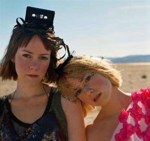 Laura Ramsey & Jena Malone - Elle, 2008
