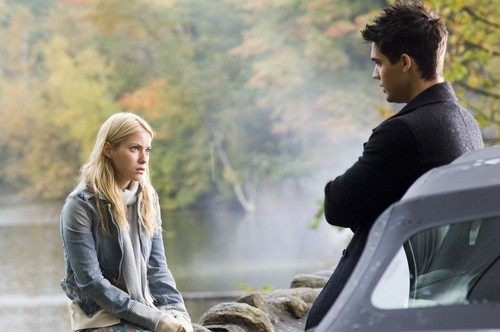 로라 램지 바탕화면 called Laura & Steven Strait in The Covenant