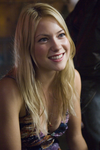 Laura Ramsey fond d'écran possibly with a portrait titled Laura in The Covenant