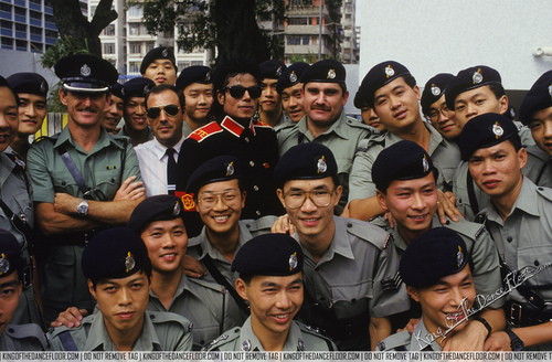 배드 시기 바탕화면 probably with 연대 복, 연대, regimentals, and a full dress uniform titled MJJ