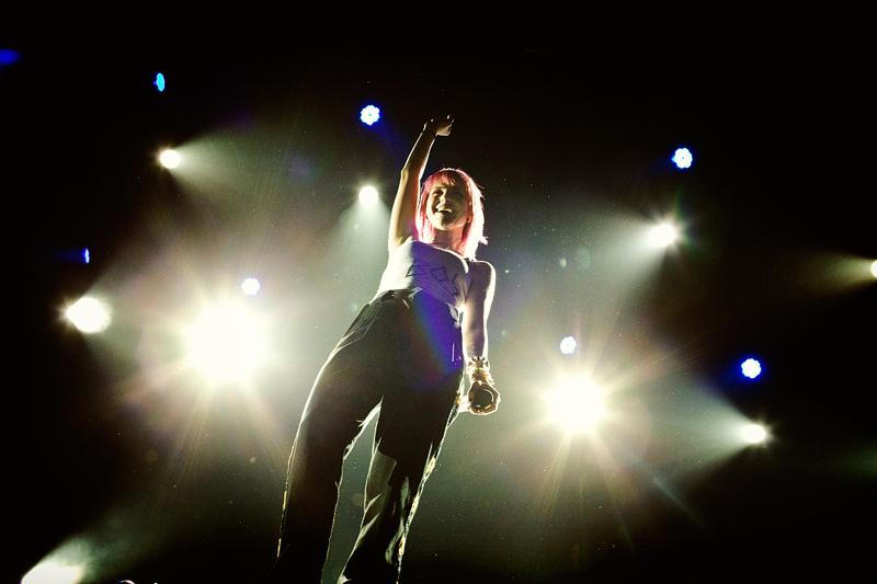 Paramore @ LG Arena Birmingham, 16th November 2010 - paramore photo