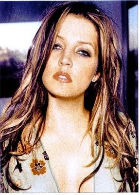 Lisa Marie Presley fond d'écran containing a portrait and attractiveness titled Pinkie ♥'s Lisa Marie