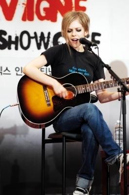 Press Conference in Seoul, Korea - 11.08.04