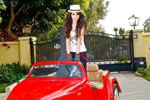 Selena фото