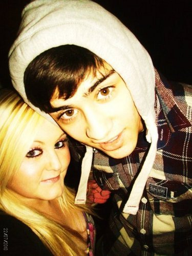 Sizzling Hot Zayn Wiv 1 Of His Adoring fans (Jealous Much) :) x