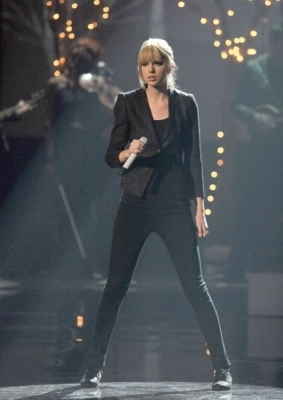 Taylor matulin American Music Awards 2010
