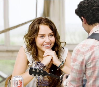 http://images4.fanpop.com/image/photos/17100000/niley-love-2-miley-cyrus-and-nick-jonas-17153559-382-338.jpg