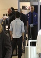22.11 - Taylor in LA airport - twilight-series photo