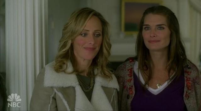 2x08 The Sisterhood of the Traveling Prada