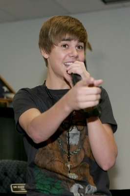 5 Novembre - GRAMMY Meet And Greet With Justin Bieber