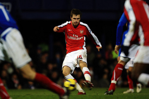 Aaron Ramsey playing for Arsenal