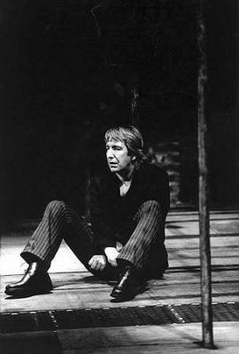 Alan Rickman karatasi la kupamba ukuta with a business suit titled Alan Rickman - Hamlet