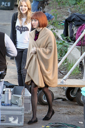"Amanda on the set of ""Now"""