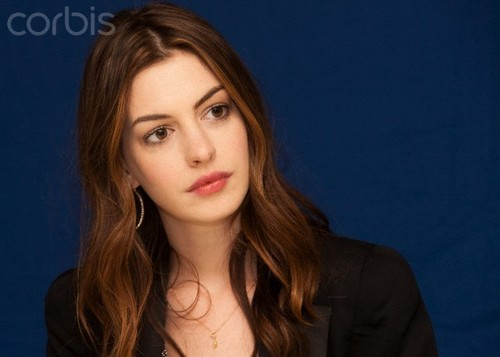 Anne @ 'Love and Other Drugs' Press Conference