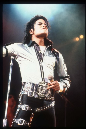 BAD MJ is really HOT