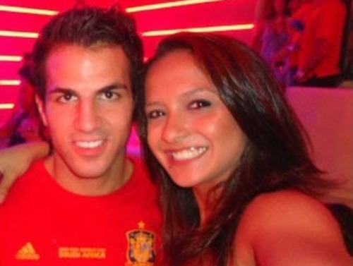 Cesc Fabregas 바탕화면 with a portrait entitled Cesc and a Girl