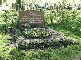 Grave of Soraya