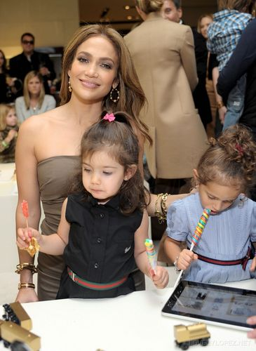Jennifer Lopez wallpaper probably containing a sign entitled Gucci And Jennifer Lopez Celebrate Gucci Children's Collection