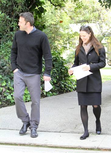 Jen & Ben out and about in L.A. 11/23/10