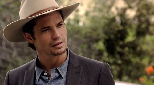 http://images4.fanpop.com/image/photos/17200000/Justified-timothy-olyphant-17204377-500-276.jpg