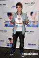 Justin Bieber @ NYC booksigning :)