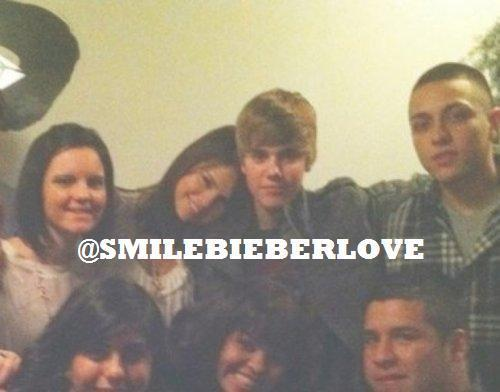 Justin and Selena on Thanksgiving :)