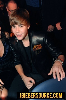 Justin Bieber  2010 on Justin Recieving Awards At The 2010 Vmas   Justin Bieber Photo