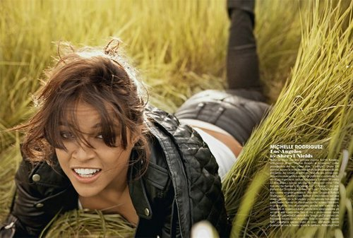 Michelle Rodriguez fond d'écran with a grainfield, a horse trail, and a horse wrangler entitled Michelle in Latina Magazine - May 2009