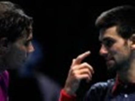 Novak Djokovic had problems with contact lens