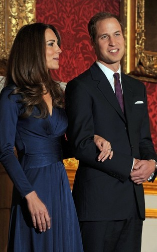 Prince William and Kate Middleton announcing engagement
