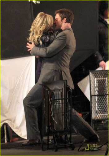 Reese Witherspoon & Chris Pine: 'War' kiss
