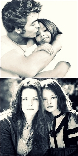 Renesmee with momma and daddy
