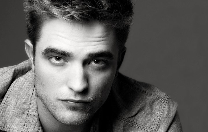 Robert Thomás Pattinson Rob-In-Black-White-robert-pattinson-17283261-720-457