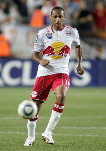 T. Henry playing for New York Red stier
