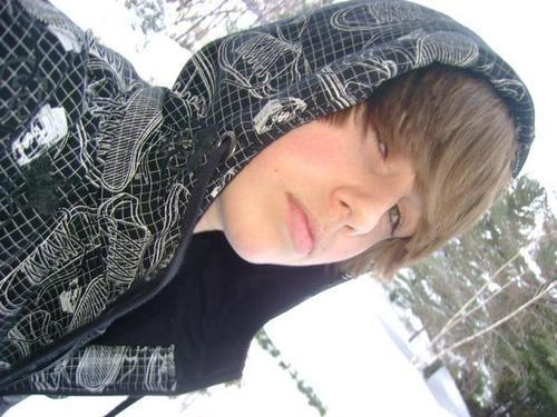 _Justin O;