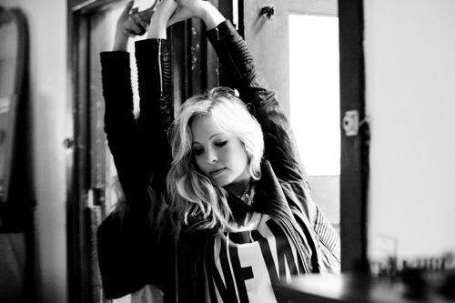 http://images4.fanpop.com/image/photos/17200000/candice-candice-accola-17286693-500-333.jpg