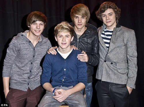 1 Direction Minus Zayn Cuz He Had To Rush utama 4 Personal Reasons :(