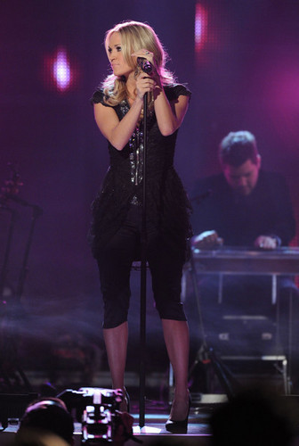 11/30/10 - CMT Artists Of The Year - Show
