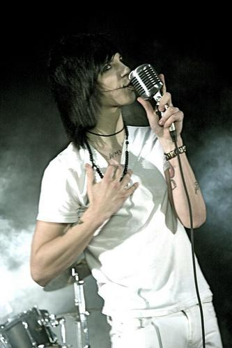 Andy(L)