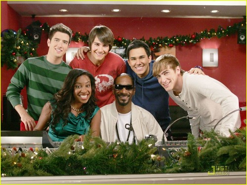 Logan Henderson wallpaper possibly with a brasserie entitled Big Time Rush - All I Want For natal Is You
