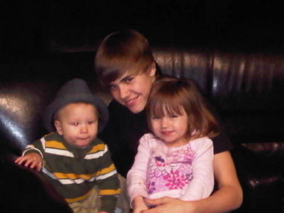 Cute Little Biebers - Justin Bieber 400x300