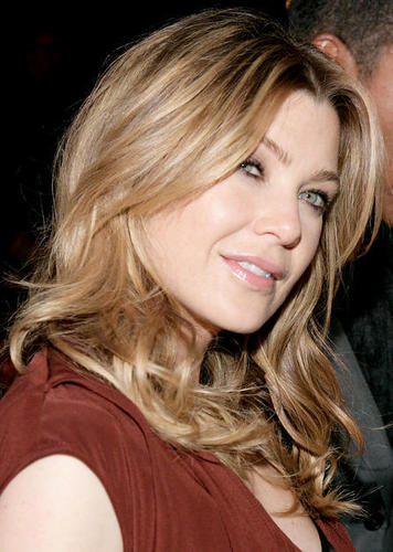 Grey's Anatomy wallpaper containing a portrait called Ellen Pompeo: Ellen Is Pretty