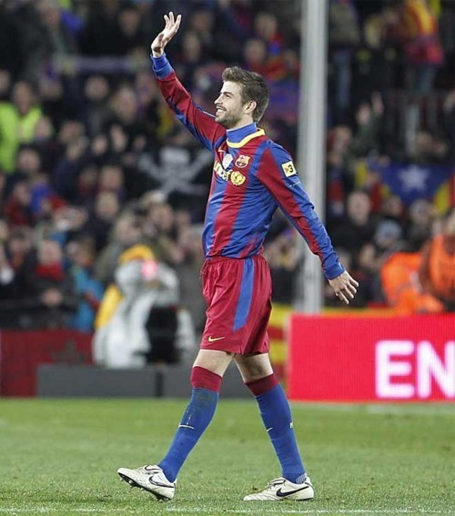 FC Barcelona 5 - 0 Real Madrid - Gerard Piqué Photo ...